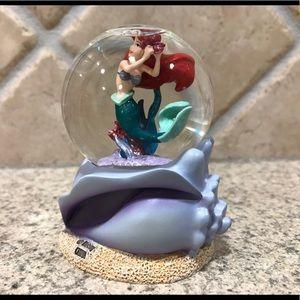 Mini Disney The Little Mermaid Ariel Snow globe